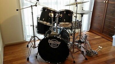 5 Piece Drum Kit with 2 Cymbals, hard hat and double kick