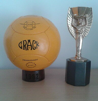 OFFICIAL MATCHBALL 1962 WORLD CUP CHILE. CRACK MODEL (Pre adidas ball)