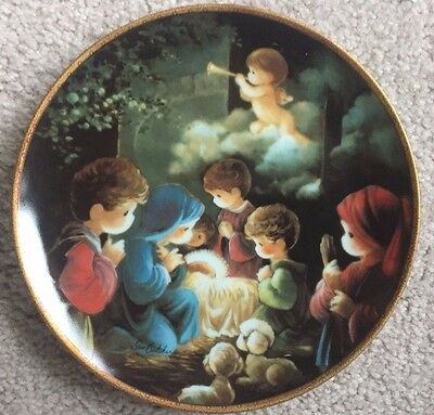 Precious Moments Christmas COME LET US ADORE HIM Collector Plate with COA & BOX