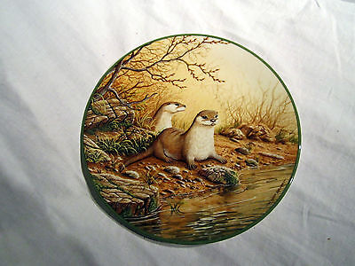 """Bradex Royal Doulton Plate """"otter Pair On A River Bank"""""""