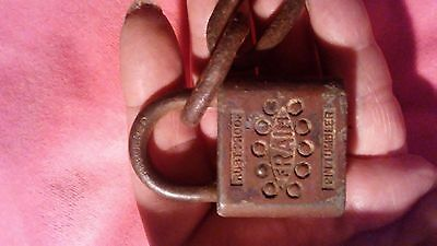 ANTIQUE FRAIM PADLOCK/no key