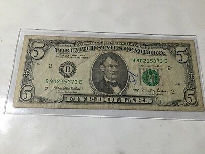 1995 Federal Reserve Note $5 Dollar Bill