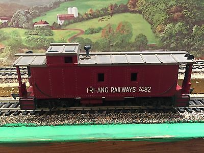 HO Trains Estate Sale - TRI-ANG Railways Caboose #7482 - Made in England