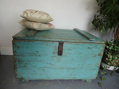 Lovely Large Wood Wooden Painted Distressed Blanket Box Storage