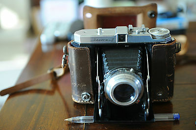 Vintage Dacora IIb, Roll Film Camera with Case.