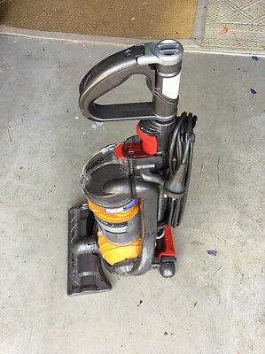 Dyson Ball Vacuum Cleaner Cyclone Technology DC24 Hepa.