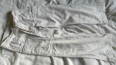 H&M Age 5-6 Years White Jeans with 2 Front Buttoned Pockets - Excellent