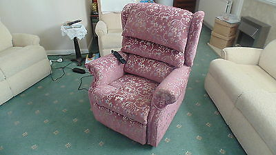 Electric Rise & Recliner Chair  Clean & In Full Working Order