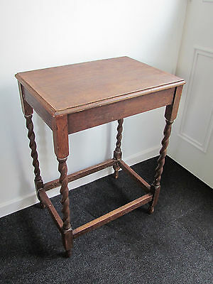 Small Oak vintage Occassional Table with barley twist legs