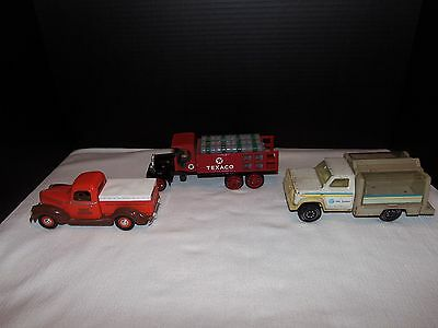 """Collectibles  Die Cast Truck Lot of """" 3 """""""
