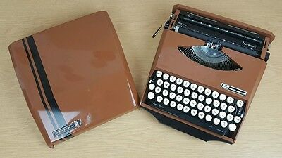 Vintage 1970's Smith Corona Harmony Portable Typewriter Designed by Ghia Working