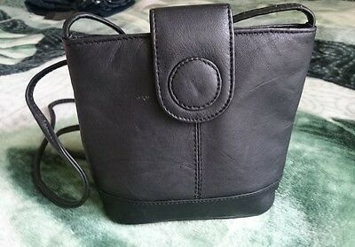 Bag,Shoulder,100%Leather,Black,Zip,Small,Made in India,Women's