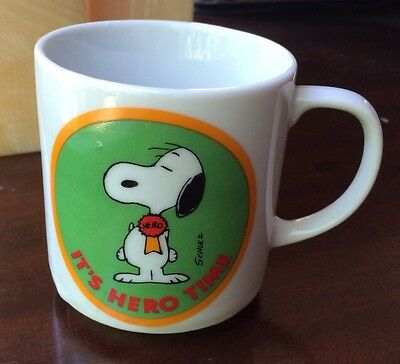 Vintage SNOOPY It's Hero Time Porcelain Mug United Feature Syndicate
