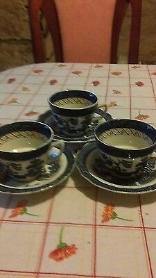 booths real old willow.3 cups n saucers