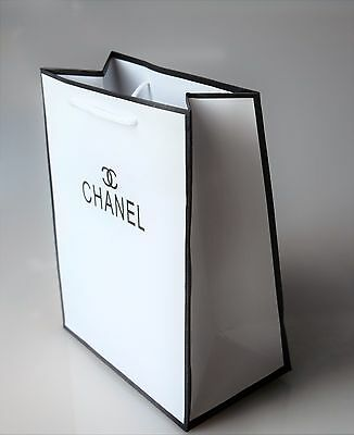 CHANEL Gift , Shopping , Christmas Bag -  27.5 cm x  21 cm x 12 cm