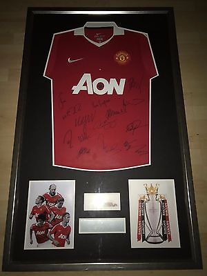 *COA* Manchester United Squad Signed and Framed Shirt - 10/11 Title Winning Team
