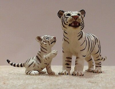Schleich 14351 White Tiger and 14385 White Tiger Cub Collectable Animal Figures