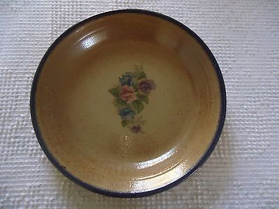 Pie Plate Stoneware with Floral Center Motif