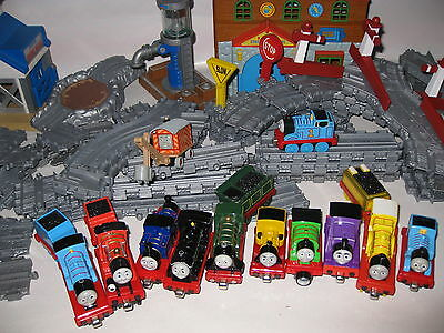 Take Along Thomas the Tank Engine large collection track / trains Take n Play