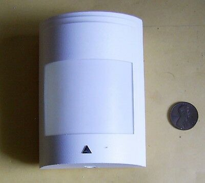 Paradox Digital Infrared Motion Detector for Alarm Systems-Made in Canada
