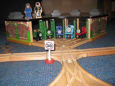 THOMAS THE TANK ENGINE wooden vintage set/track/engines