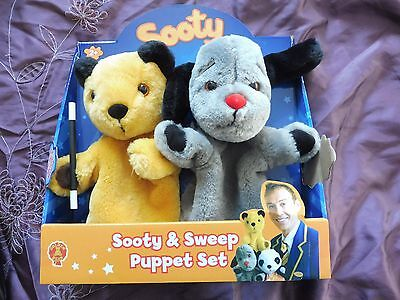 BNIP Sooty & Sweep Puppet Set