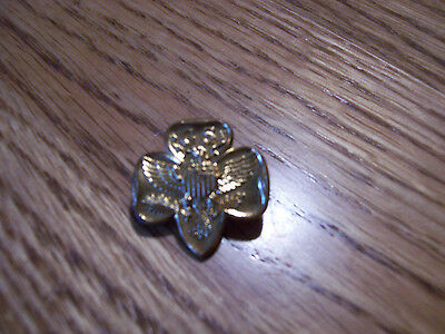 Girl Scout Goldtone Siganture Pin - Mint