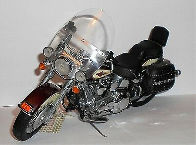 Franklin Mint Harley Davidson Heritage Softail Classic Motorcycle 1/10