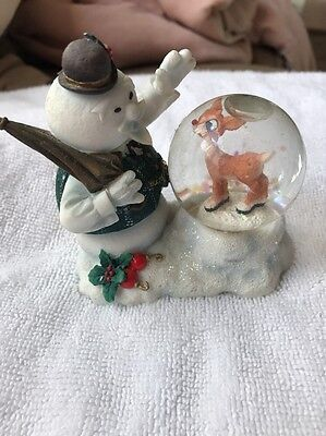 Enesco 725145 Rudolph Misfits Sam looking at Rudolph Waterball Snowglobe In Box