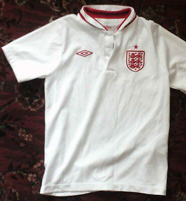 Childs Umbro england top/T-Shirt 6-7 years • EUR 1,09