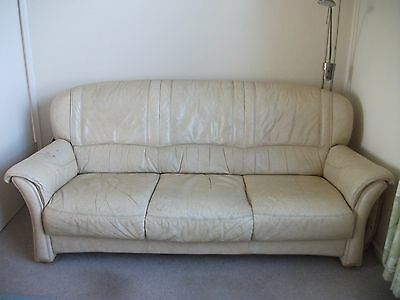 Leather suite, 3-seat sofa + 2 armchairs.