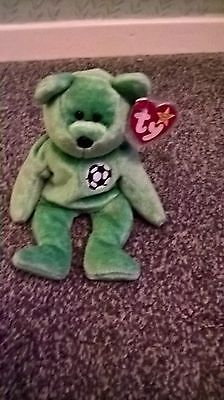 TY Beanie Babies Kicks the Bear
