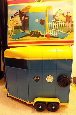 Vintage Sindy Horsebox with Drop-Down Tail + Side Gates,  Pedigree Toys, VGiB