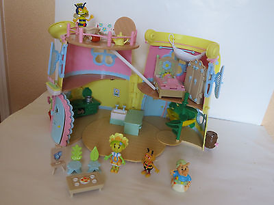 Fifi and the Flowertots Forget-me-not Watering Can House plus fittings& figures