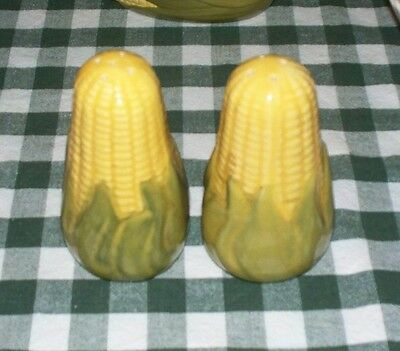 Vintage Shawnee Corn King Range Shakers Excellent Condition