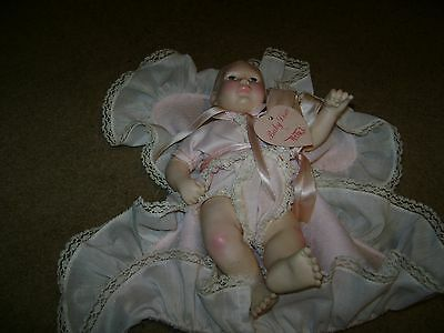 """Vintage Effanbee Baby Lisa Doll...With Pillow & Tag...10"""""""