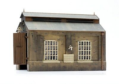 Brand New Oo/ho Scale/gauge Engine Shed Dapol C007