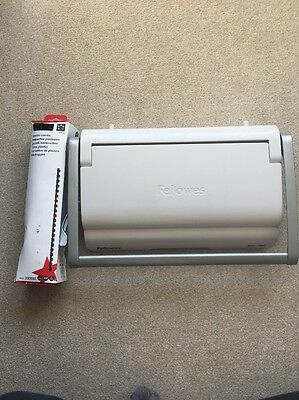 Fellowes Star 150 Comb Binder With Plastic Combs