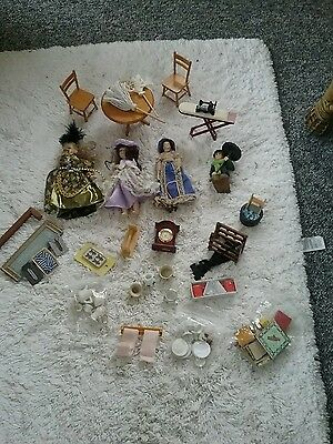 Dolls house figures, furniture and Other Accessories job lot.