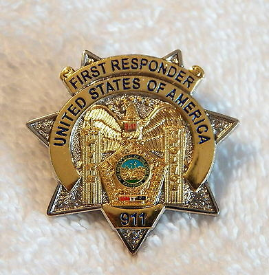UNited States of America 911 First Responder Collector Pin  (P166)