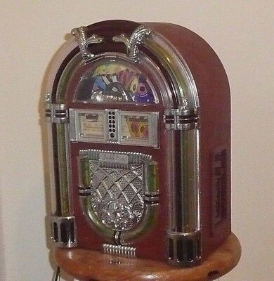 Vintage Mini Jukebox radio & tape player with lights. 14 inches High. GWO.