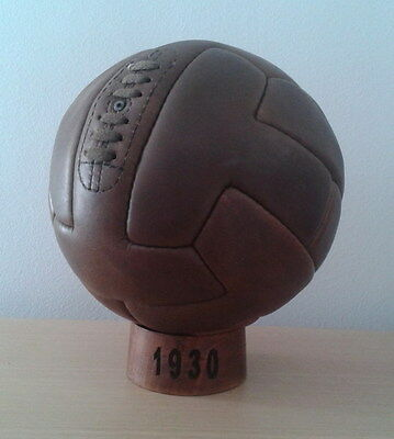 OFFICIAL MATCH T-SHAPE BALL OF 1930 WORLD CUP IN URUGUAY (pre adidas)