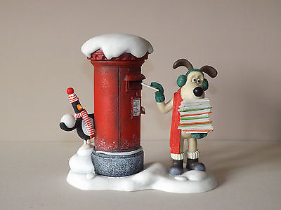 Robert Harrop WGCS10 - Gromit & Feathers McGraw - Royal Mail Christmas 2010