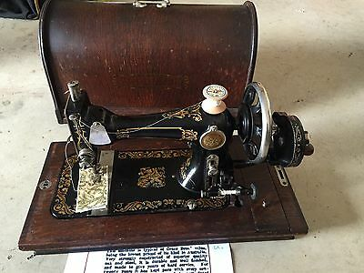 Vintage Sewing Machine 1927 Broadway In Excellent Condition