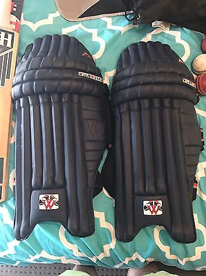 Willow Wizard Pro LE Navy Pads Men's Right Handed