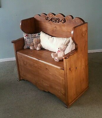 delightful hand crafted solid pine rustic monks bench /settle / pew