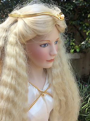 Lord Of The Rings Queen Galadriel Porcelain Doll