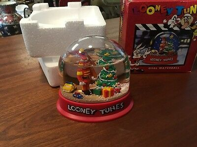 "VTG 1996 ""Looney Tunes"" Bugs Bunny Cristmas Snow Globe Waterball"