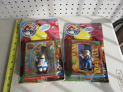 2 vintage RAGGEDY ANN COLLECTIBLE FIGURES w/ PLAYHOUSE 1988 TARA TOY CORP NIP