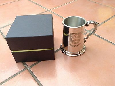 1 Pint Pewter Tankard with Embossed England 3 Lions Badge never Used